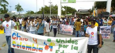 Estudiantes de la ciudad se unieron a  la marcha continental por la educación