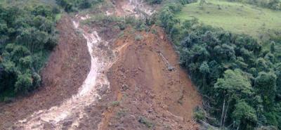 Derrumbe restringe paso en vía Barrancabermeja - Bucaramanga