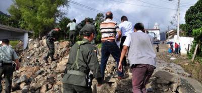 Secretarios Departamentales de Santander visitaron zona de emergencia en Suratá