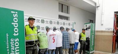 Desmantelan presunta banda criminal de vigilantes informales