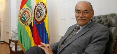 Horacio Serpa anuncia que no se retira de la política