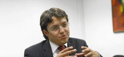 Iván Aguilar promete modernizar la Asamblea de Santander