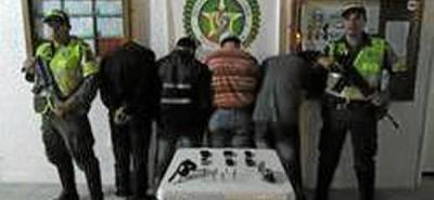 Capturan cuatro hombres por porte ilegal de armas