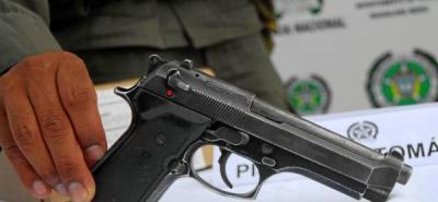 En Santander se han incautado 20 armas de fuego tras prohibición del porte en motocicleta