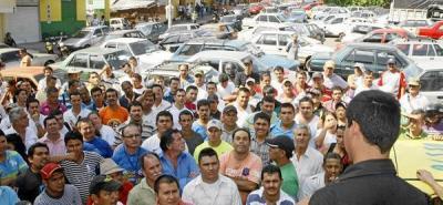 Alcaldía recibió pliego de transportadores informales