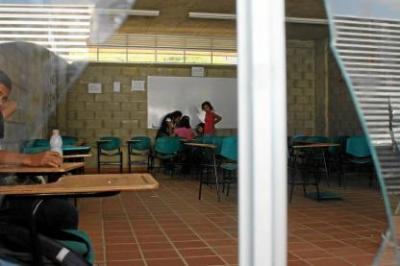 Infraestructura de colegios oficiales de Bucaramanga se debe al hacinamiento en las aulas
