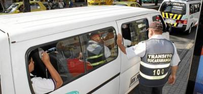 Sancionados transportes escolares con sobrecupo