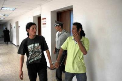 Caen delincuentes que atracaban con machete