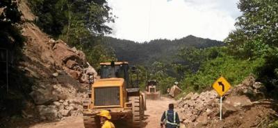 Por caída de rocas estuvo cerrada vía Barrancabermeja - Bucaramanga