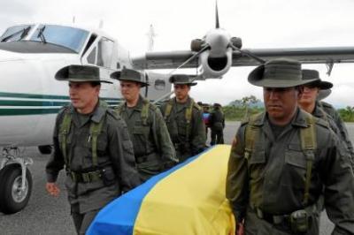 Llegan a Bucaramanga los cuerpos de los dos policías de Santander muertos en La Gabarra