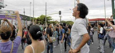 Estudiantes de la Unipaz no cesan sus protestas