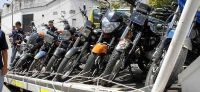 Inmovilizados 55 vehículos en el Centro de Bucaramanga por invadir el espacio público