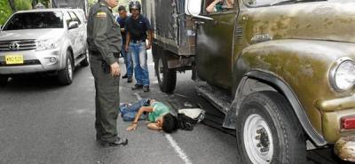 Mujer resultó herida tras ser arrollada por un taxi
