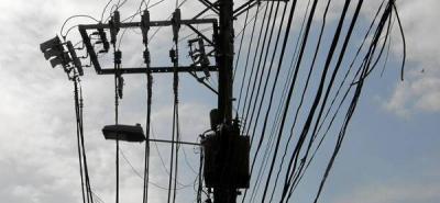 Denuncian incendios en líneas eléctricas
