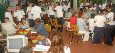 Colegio Luis Carlos Galán abre la feria empresarial
