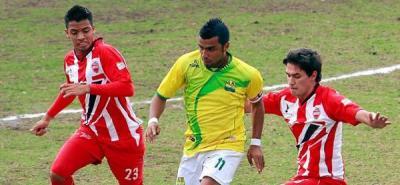 Monrroy, de capitán a 'ser borrado' en el Atlético Bucaramanga
