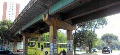 Piden mantenimiento del puente vehicular
