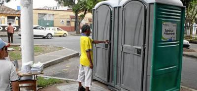 Los baños públicos llegaron a cuatro parques de la ciudad
