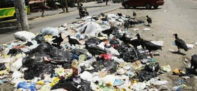Este fue el panorama que se pudo percibir en el Rincón de Girón Parte Alta, el pasado miércoles 3 de julio, cuando se implementó por primera vez el día de recolección de reciclaje. Una semana después, la situación fue similar.