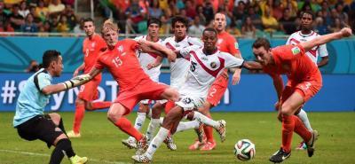 Costa Rica, que contó con la excelente actuación del portero Keylor Navas, llegó hasta los cuartos de final donde empató sin goles frente a Holanda y perdió en la serie de penales.
