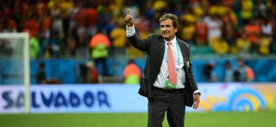 El entrenador Jorge Luis Pinto atribuyó a diferencias con miembros de su cuerpo técnico y a la imposibilidad de elegir a sus nuevos ayudantes su salida de la selección de Costa Rica.
