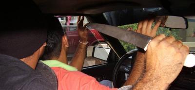 Atracan y hieren a taxista en Bucaramanga