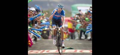 El canadiense Ryder Hesjedal inauguró ayer los triunfos en el durísimo ascenso a La Camperora, tras una larga fuga con otros ciclistas y, haciendo un gran remate, logró sobrepasar en los últimos 500 metros de la llegada al suizo Oliver Zaugg.