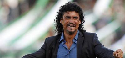 """El Presidente del Atlético Bucaramanga se comunicó conmigo vía telefónica"": Leonel Álvarez"