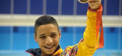 Carlos Daniel Serrano Zárate, un jovencito de 16 años, fue la gran figura de Colombia en los V Juegos Parapanamericanos de Toronto 2015 que terminaron ayer, al sumar seis medallas, cinco de ellas de oro y una de plata, a las que agregó cinco nuevas marcas continentales. Sin duda, la gran estrella.