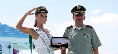 La señorita Cesar es la nueva Reina de la Policía