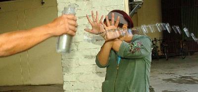 ¿Existe alguna sanción para los delincuentes que atacan con ácido?