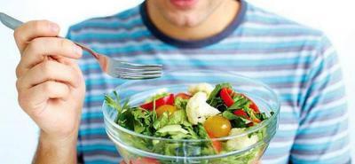 Aprenda cómo alimentarse de forma saludable en el trabajo