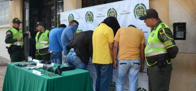 Capturan en flagrancia a una banda de asaltantes en Santander