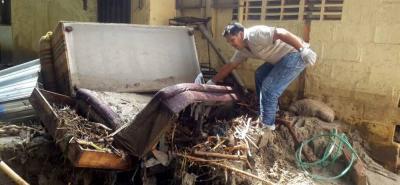 Desbordamiento de una quebrada genera emergencia en Floridablanca