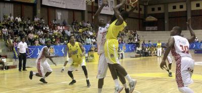 Nueva victoria de Búcaros en la Liga Directv de Baloncesto