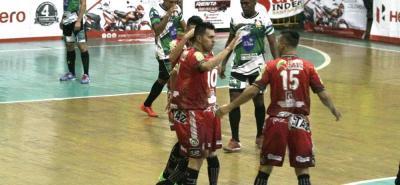 Taz Santander venció 6-2 a Caporos Sinú y afianzó su superioridad en la VIII Copa Hero Masculina de Microfútbol, donde es líder invicto.