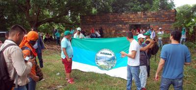 Comenzó el paro nacional campesino y minero. En el sector de La Lizama, ubicado a 35 kilómetros de Barrancabermeja sobre la vía a Bucaramanga, empezaron a concentrase ayer los labriegos. En el sitio hicieron presencia efectivos de la Policía del Magdalena Medio.