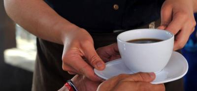 Café demasiado caliente tendría efecto cancerígeno