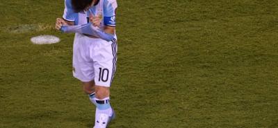 Lionel Andrés Messi Cuccittini, con 29 años cumplidos el pasado 24 de junio, decidió poner fin a su trayectoria con la selección Argentina, tras haber perdido la final de la Copa América Centenario ante Chile por segunda vez y de manera consecutiva.