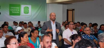 El secretario de Planeación de Santander, Sergio Isnardo Muñoz, fue el primero de los integrantes del gabinete departamental en intervenir en la socialización del Plan de Desarrollo.