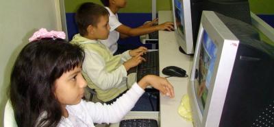 En la actualidad muchos de los planteles educativos de la ciudad tienen equipos de cómputo desactualizados, y en otros colegios sus computadores ni siquiera encienden. Se espera que esta dotación comience a efectuarse a partir del año entrante, según lo afirmado por la Alcaldía.