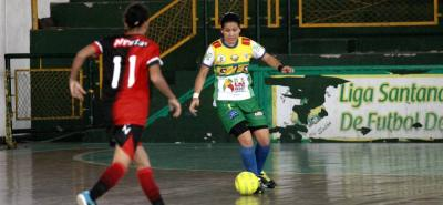 El quinteto de Real Bumanguesas logró ayer su segundo triunfo consecutivo en la Copa Hero Femenina de Microfútbol Profesional, tras derrotar 4-2 a Piraras de Norte, en el 'Edmundo Luna'.