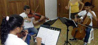 Cerca de 140 niños y niñas de Cimitarra se beneficiarán del convenio que se firmó con la Fundación Batuta.