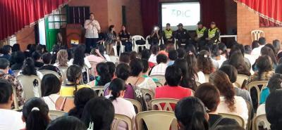 Con charlas a los padres de familia y estudiantes, la Policía de Protección Turismo y Patrimonio e Infancia y Adolescencia y la Comisaría de Familia vienen trabajando para evitar la explotación sexual en menores de edad.