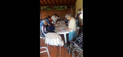 A sus actividades cotidianas volvieron los abuelitos del Centro de Bienestar San José en Vélez.