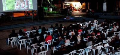 """El reconocido Lisandro Duque, por su película """"El Soborno del Cielo"""", destacó la participación de los barboseños en los diferentes eventos."""