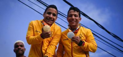 Los santandereanos Carlos Serrano y Nelson Crispín, al igual que los demás deportistas paralímpicos de la región, fueron recibidos como auténticos héroes, luego de hacer historia en Río.