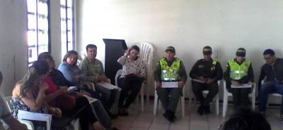 En las instalaciones del Concejo de Barbosa se cumplió la reunión del Comité de Política Social, Compos, con la participación de representantes de diferentes entidades e instituciones.