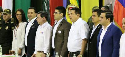 En un acto con la presencia del Ministro del Interior, Juan Fernando Cristo y el Gobernador de Santander, Didier Tavera, el alcalde de Sucre, Javier Rojas, firmó un convenio para obtener recursos para construir una estación de Policía.