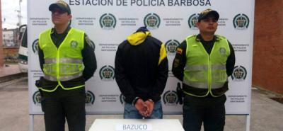 A disposición de las autoridades quedó un hombre al que le encontraron 33 dosis de bazuco, que al parecer serían comercializadas en el barrio Centro de Barbosa.